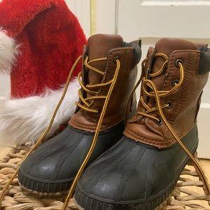 Gap kids boys duck boots size 1-2